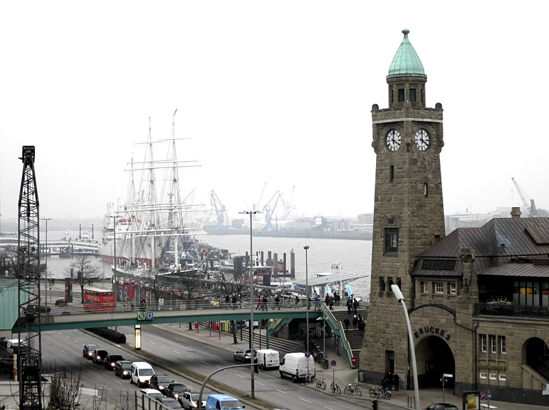 Hamburg Landungsbrücke