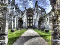 Reste einer Klosterruine