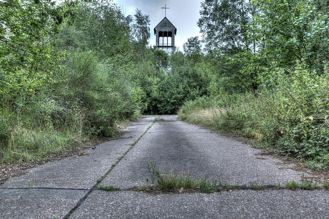 Kirche in einer aufgegebenen Kaserne