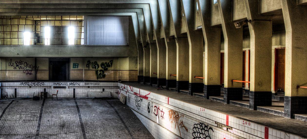 Lost Place 25 Meter Becken