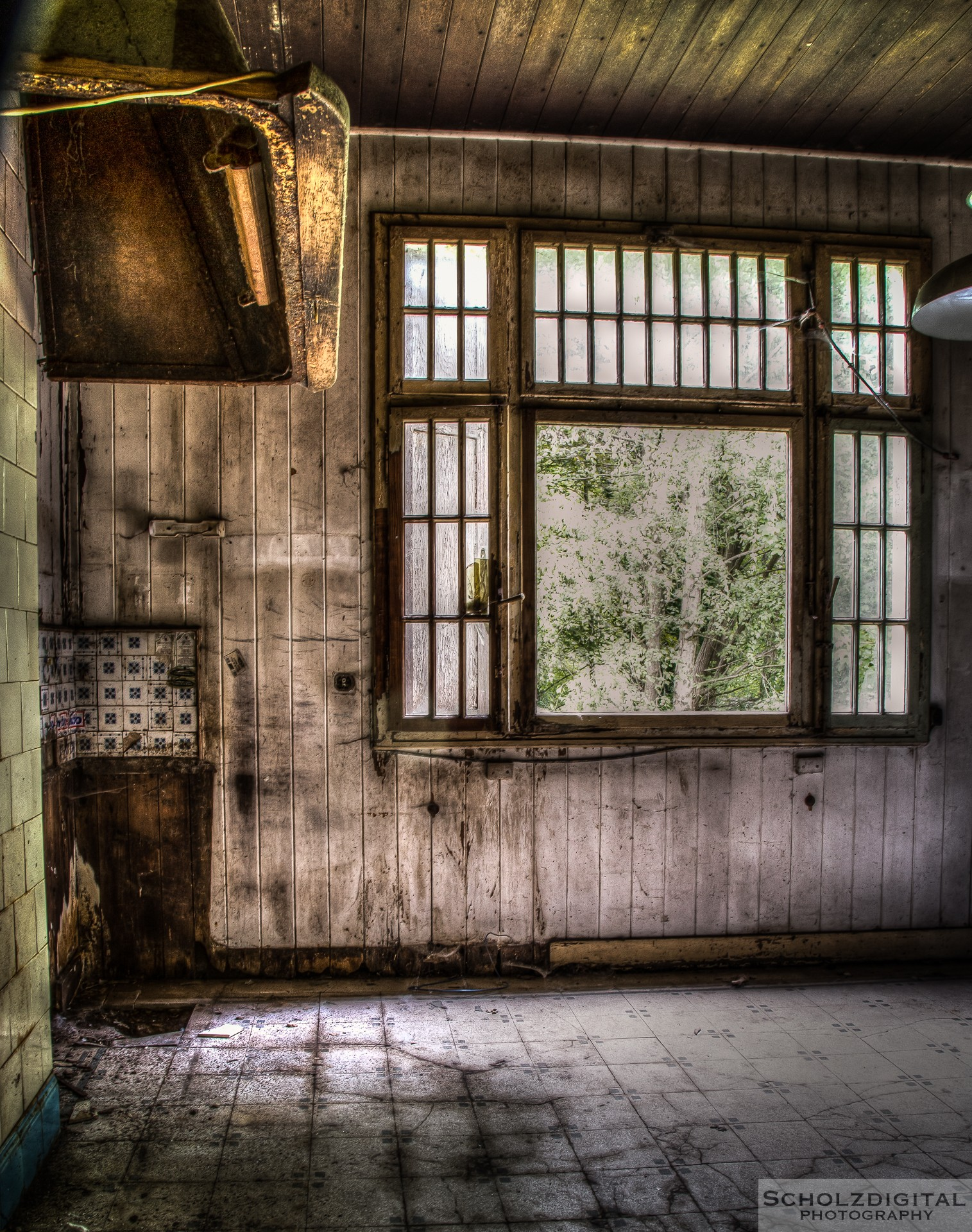 decay kitchen