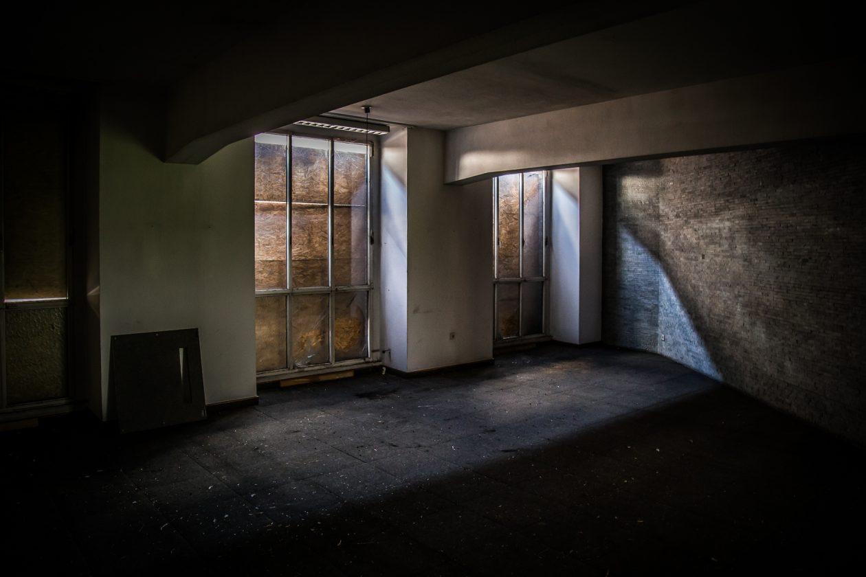 Eingangsbereich einer verlassenen Zwiebackfabrik