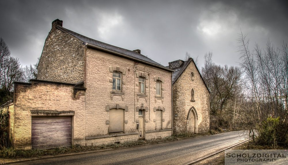 Dust Church HDR Lost place