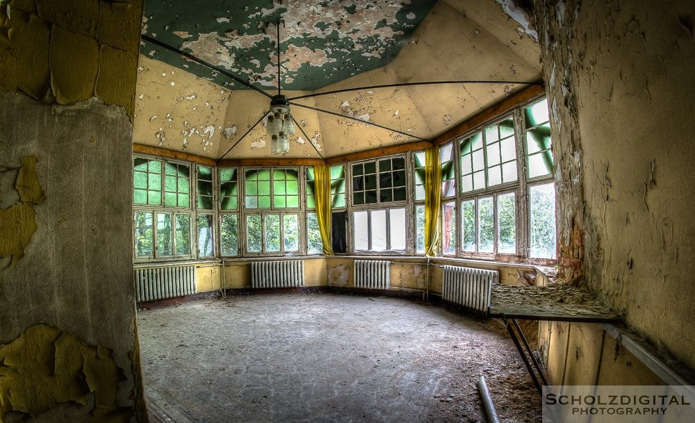Rittergut V ein Lost Place in Ostdeutschland - urban exploration - Lost Place