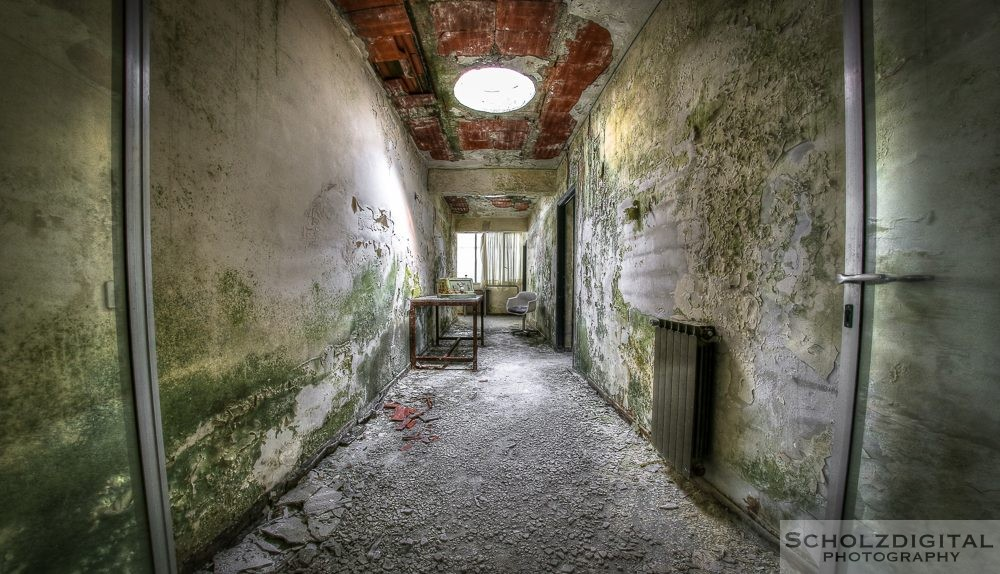 Green Hospital - Urbex Italy - Lost Place Colonia