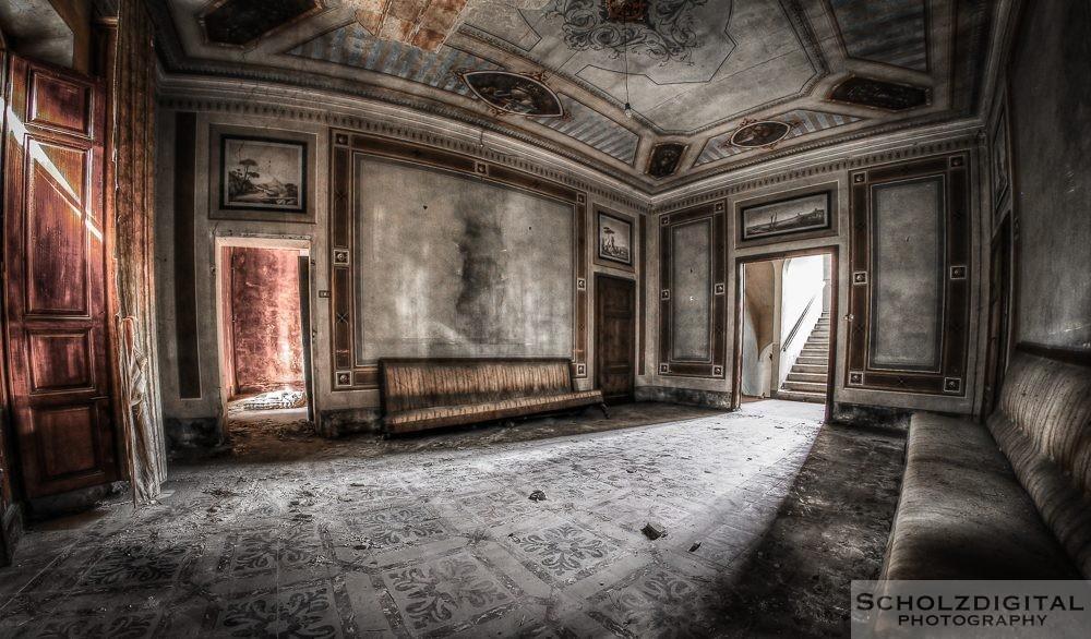 Villa EB - Urbex Italy - Lost Place
