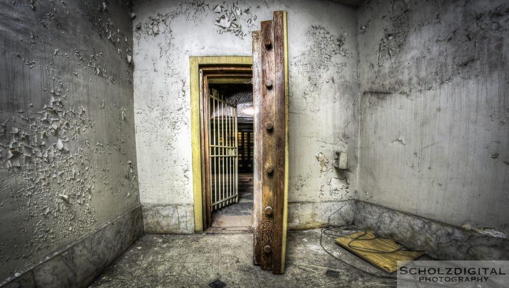 Bank Job - Hogwarts - urban - lost Place - verlassen