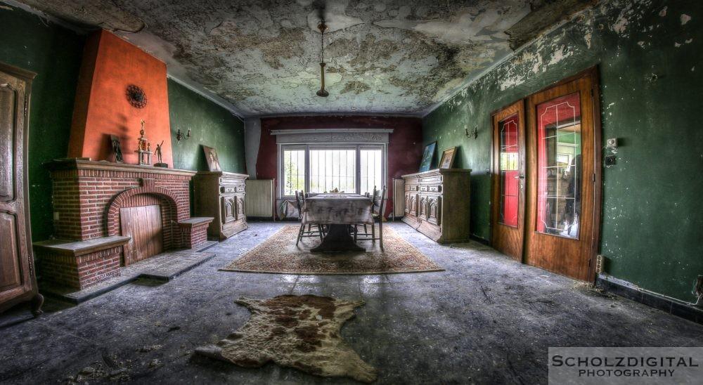 Urbex Villa Black Dress Belgien Lost Place