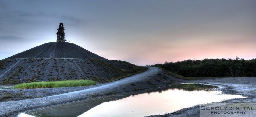 HDR Bild / Aufnahme Abenddämmerung an der Halde Rheinelbe