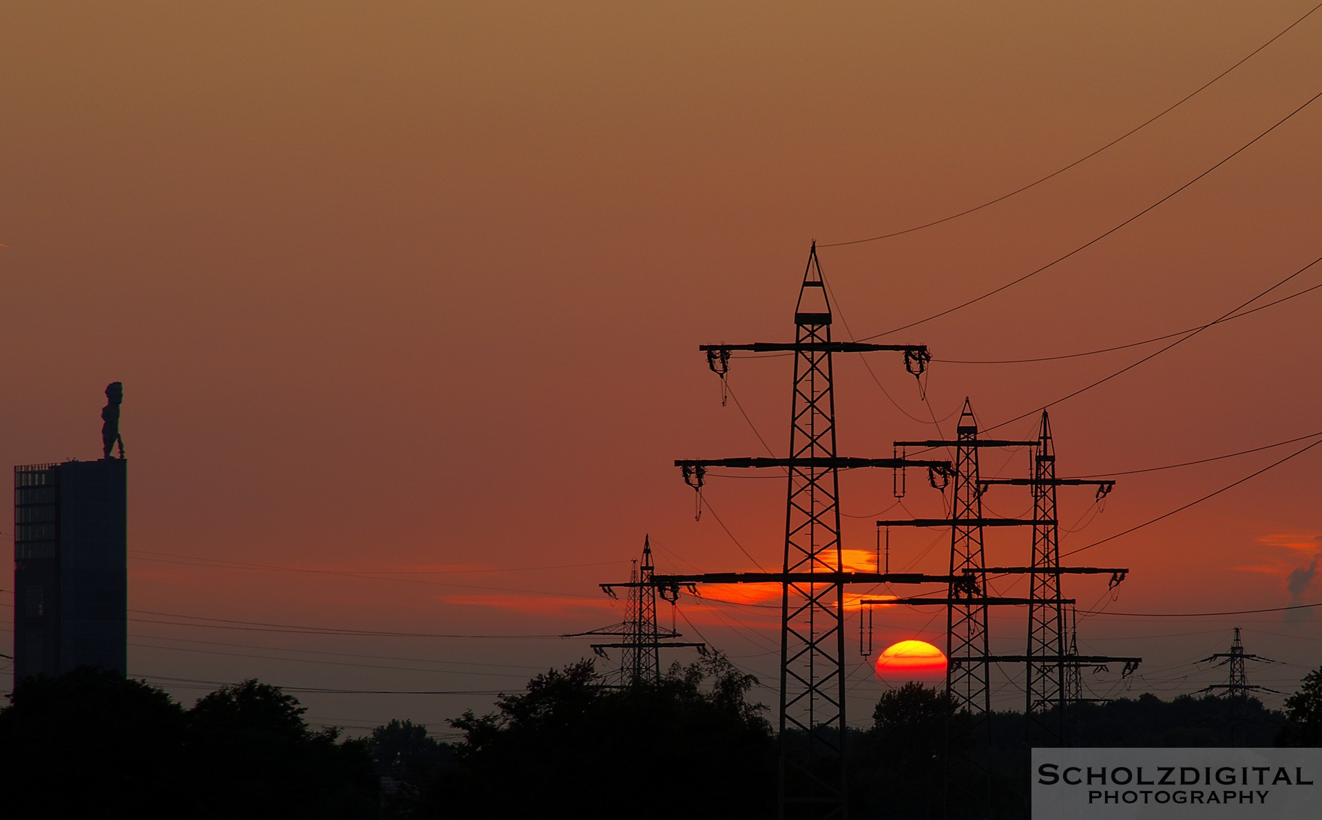 HDR Bild / Aufnahme Sonnenuntergang Strommast