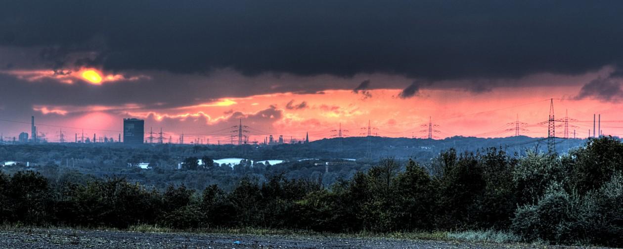 HDR Aufnahme Sonnenuntergang Gasometer Oberhausen