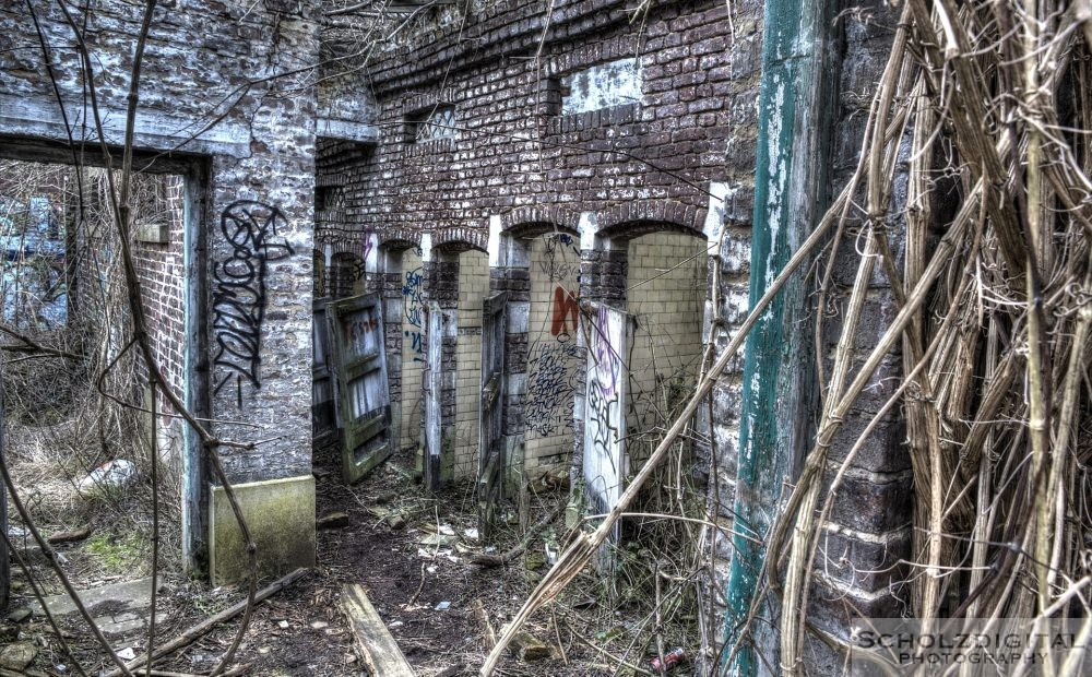 Duschen in einer alten Kaserne