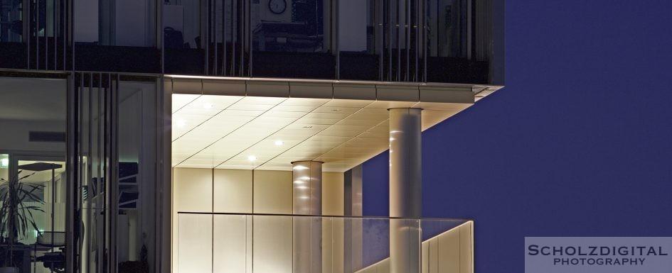 Nachtaufnahme im ThyssenKrupp Quartier in Essen