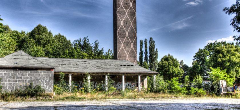 Decay Urban Exploration
