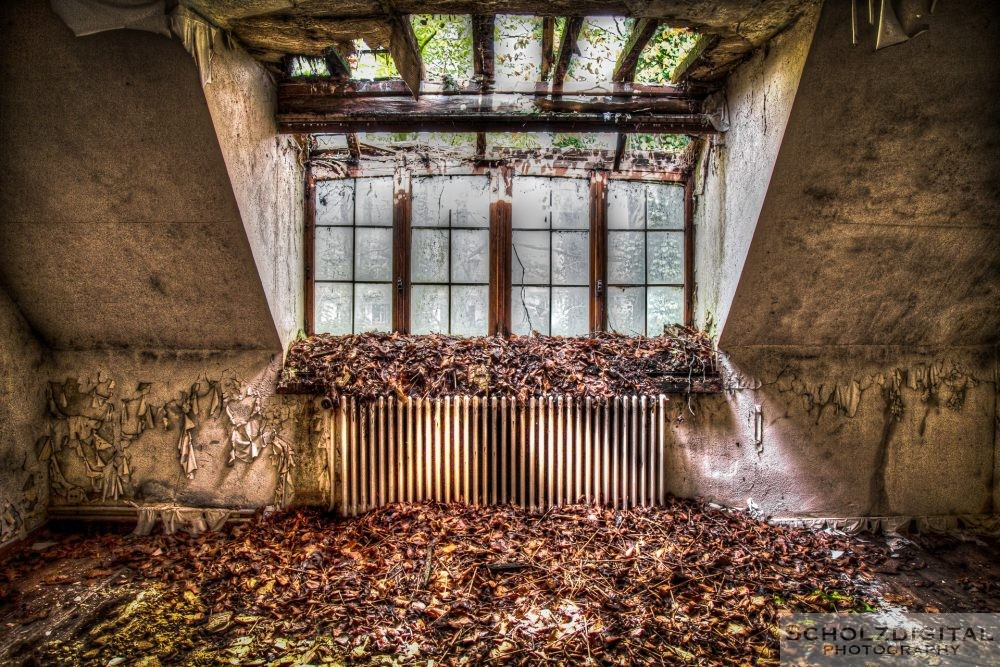 Urbex Staircase HDR