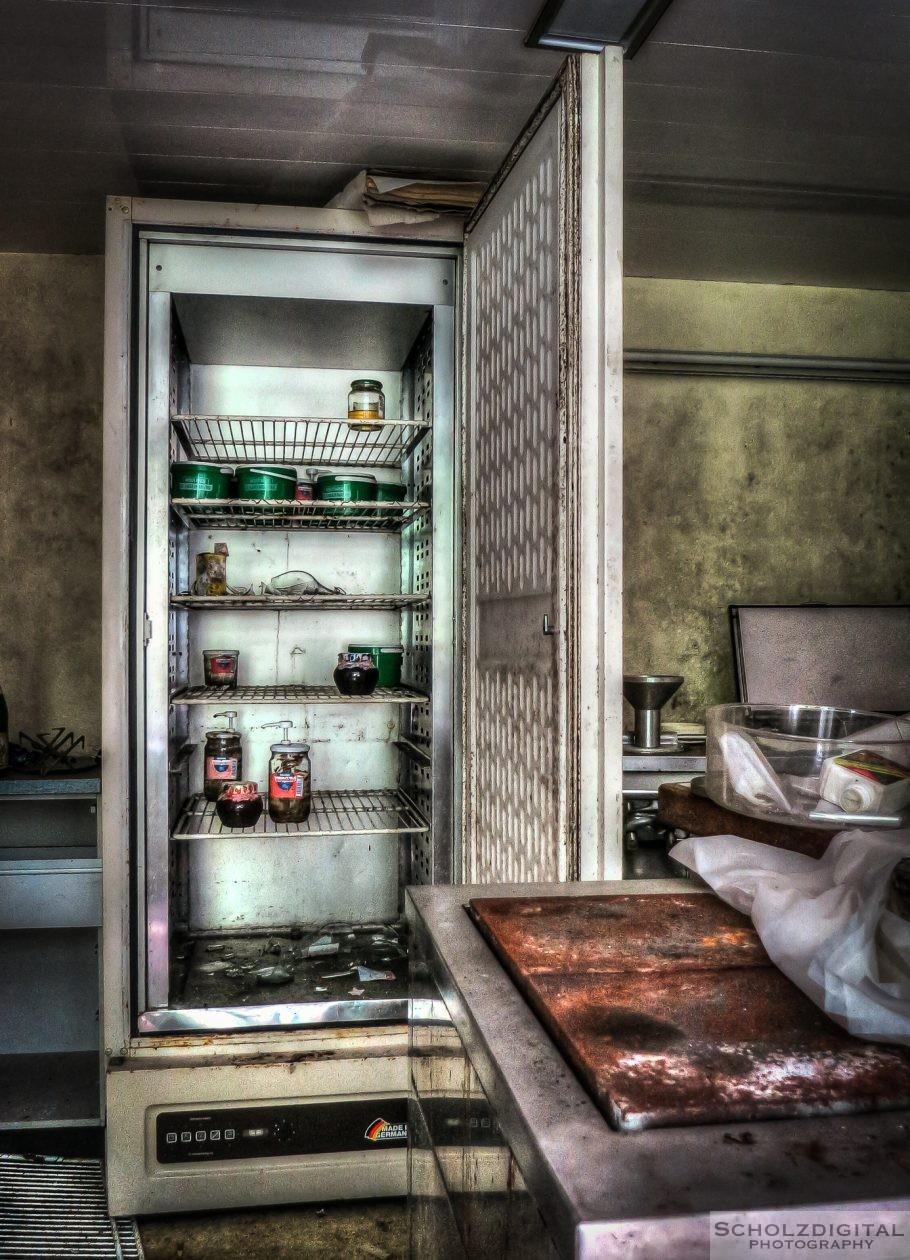 Die Minibar ist leer, aber auch hier gibt es keine gekühlten Getränke mehr.