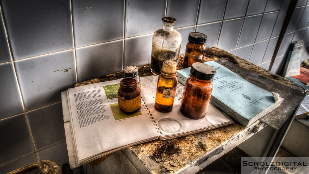 Urologen Villa Dr. Pain - Dr. Anna Urbex HDR