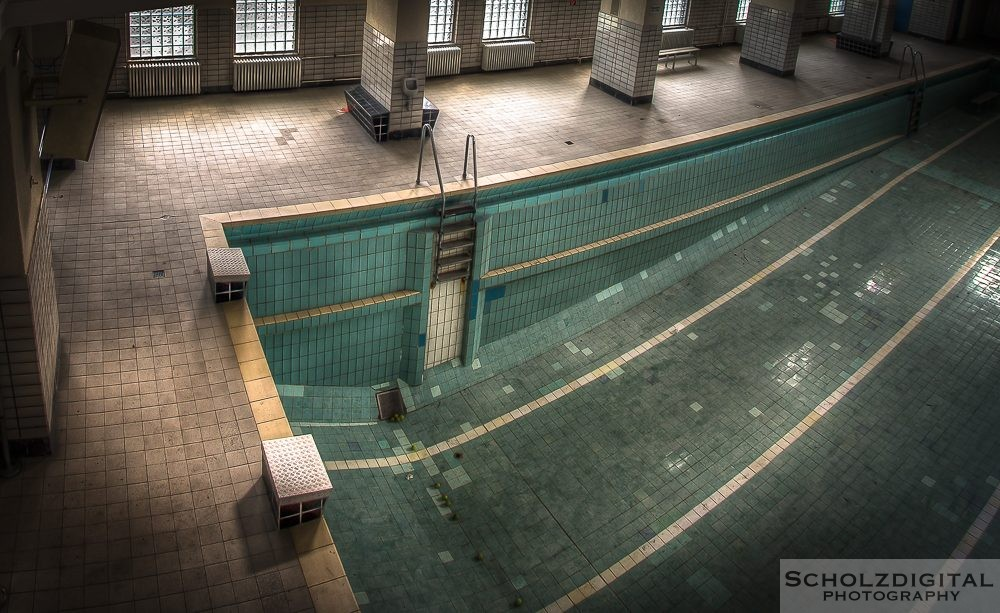 Piscine S - Stadtbad - urges -lost place