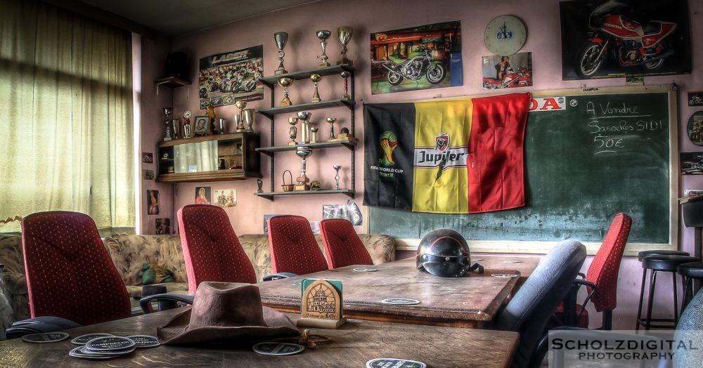 Bikers Club - Clubhaus Motorradclub Urbex - lost place verlassen