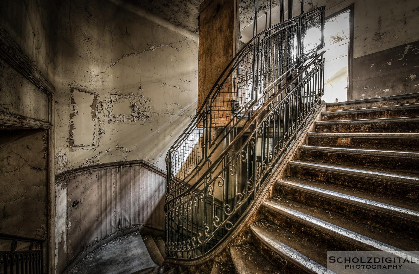 Abandoned, beelden, Bureau Central, Bureau Central De Wendel, Decay, forgotten, Lorraine, Lost Place, Lothringen, Urban exploration, Urbex, urbexlocatie, verlassen, Verlassene Orte
