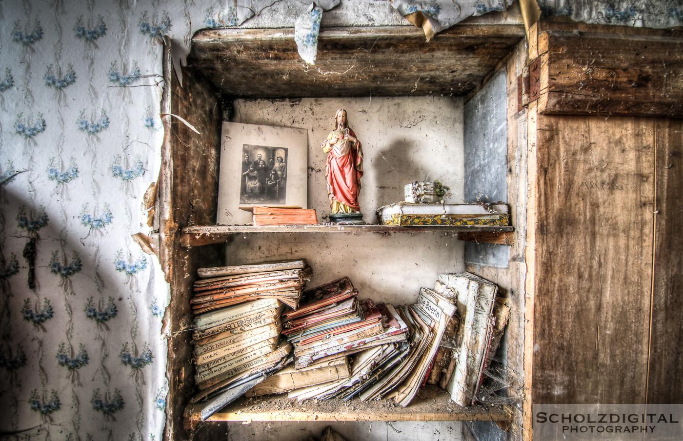 Abandoned, Decay, Lost Place, Urban exploration, Urbex, verlassen, Verlassene Orte, urbexlocatie, beelden, urban exploration, lost place, abandoned, forgotten, Ferme St Valentine. Belgie, Farm bauernhof