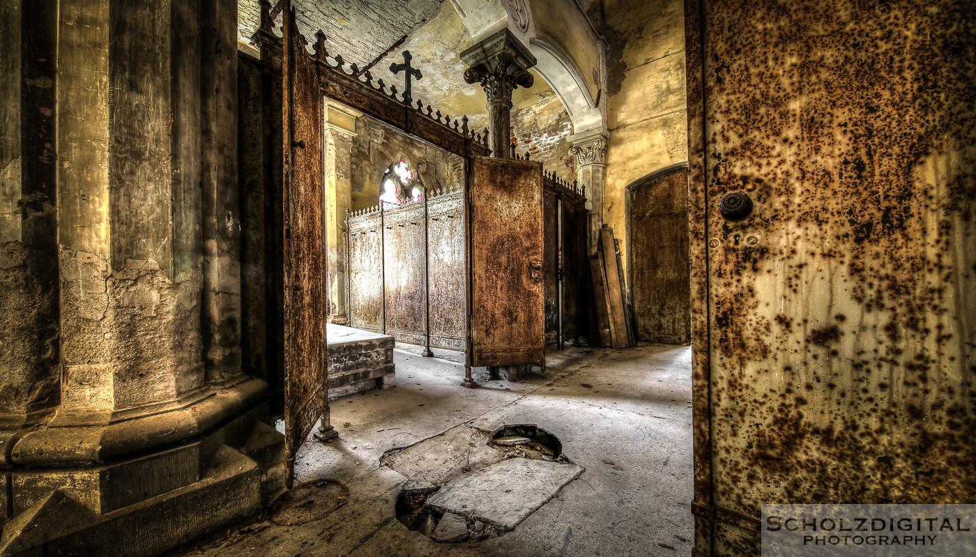 Abandoned, beelden, Decay, forgotten, Leichenhalle, Lost Place, Morgue, Ost, Osten, Sachsen, Urban exploration, Urbex, urbexlocatie, verlassen, Verlassene Orte