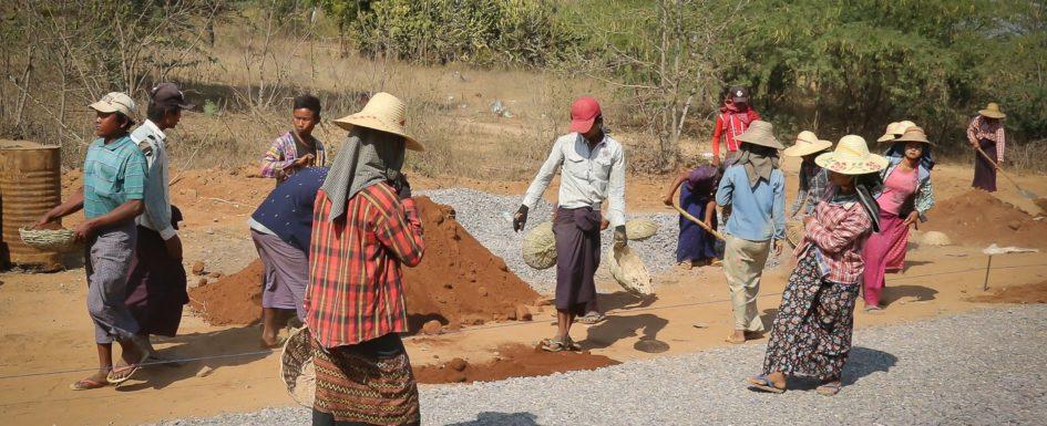 Asia, Bauarbeiter, Baustelle, Birma, Burma, Exploring, Myanmar, Southeastasia, Straßenbau, tagelöhner, Travelling, road construction,