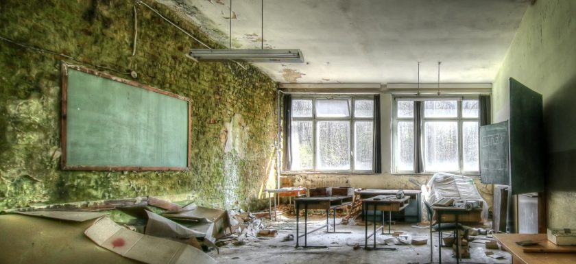 Abandoned, beelden, Decay, forgotten, Lost Place, School of decay, Strawberry School, Urban exploration, Urbex, urbexlocatie, verlassen, Verlassene Orte, verlassene Schule