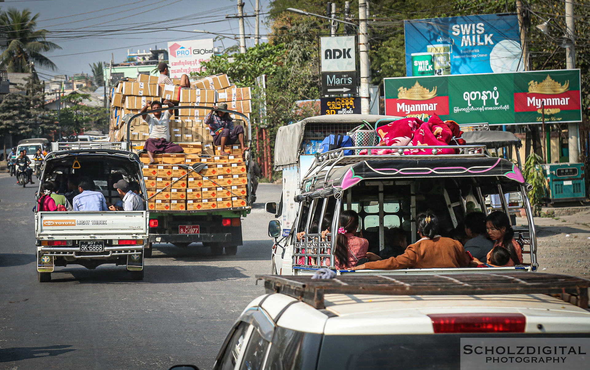 Exploring, Travelling, Myanmar, Mandalay, Birma, Burma, Traffic, Streetphotography, Travelling, Wanderlust, Southeastasia, asia, travel, globetrotter, travelphotography,