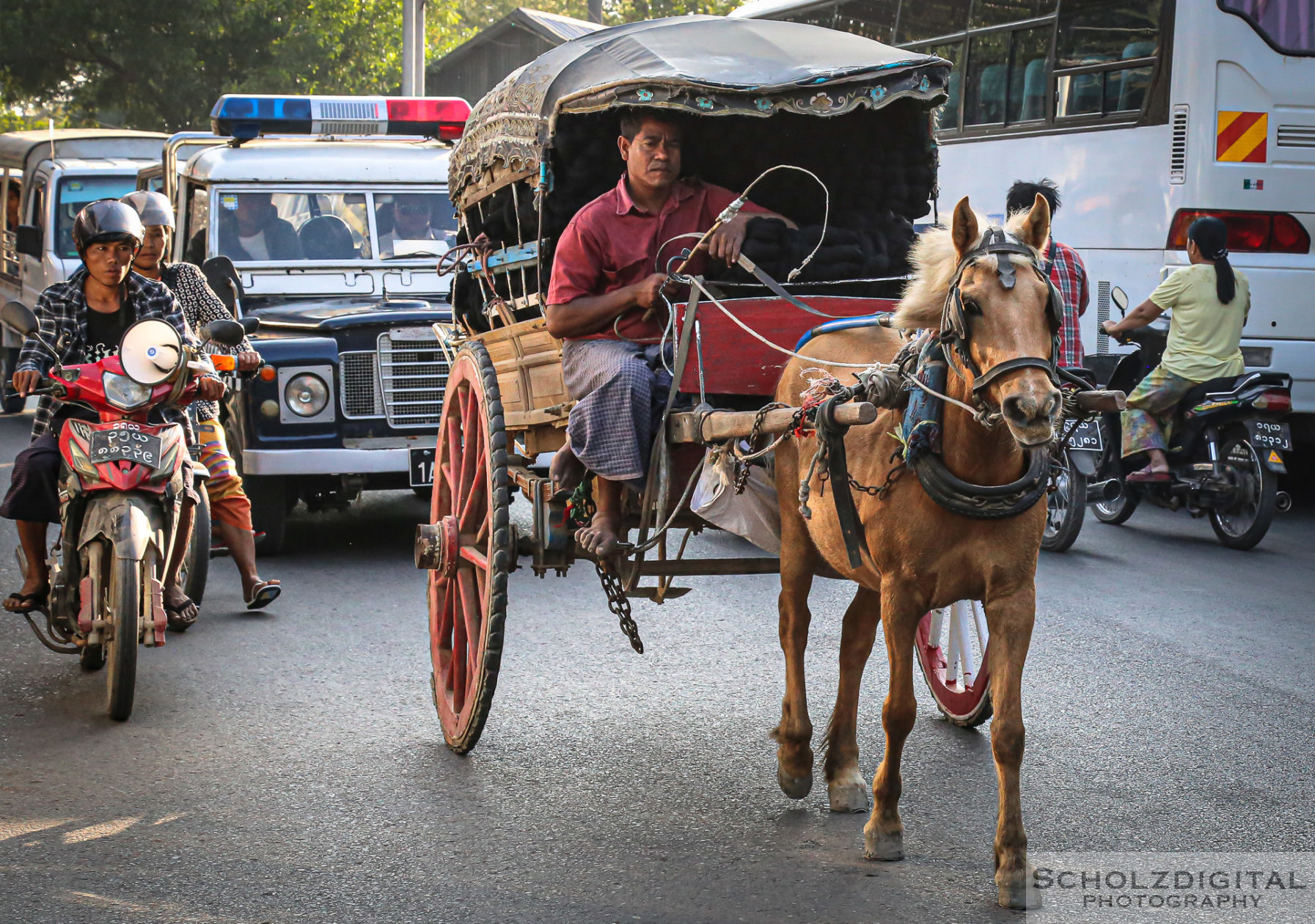 Exploring, Travelling, Myanmar, Mandalay, Birma, Burma, Streetphotography, Travelling, Wanderlust, Southeastasia, asia, travel, globetrotter, travelphotography