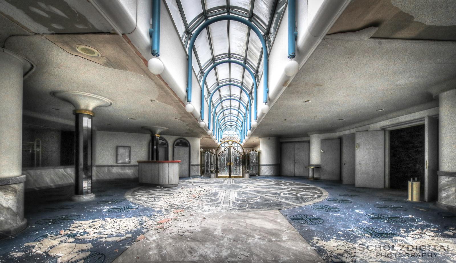 Abandoned, beelden, Decay, forgotten, Hotel, Kurhaus, Kurhotel, Lost Place, Theater, Urban exploration, Urbex, urbexlocatie, verlassen, Verlassene Orte